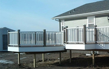 Large deck built with materials supplied by Long Prairie Lumber